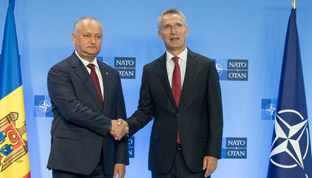 Столтенберг — Додону: НАТО поважає нейтралітет Молдови