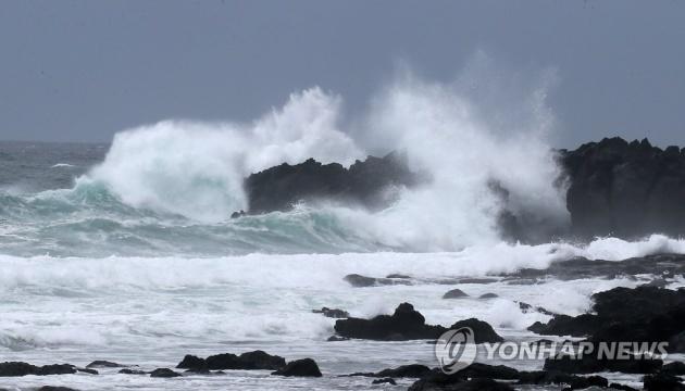 На Южную Корею надвигается мощный тайфун