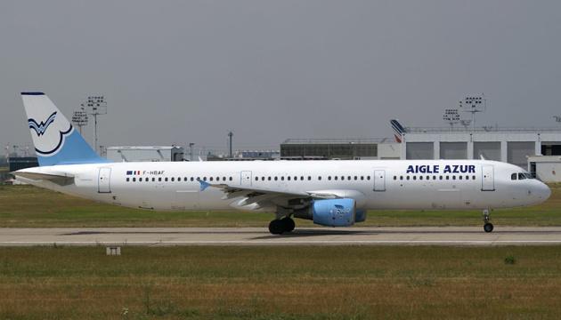 Французька авіакомпанія скасовує всі рейси через фінансові труднощі