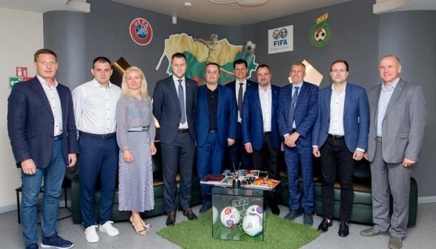 Президенты футбольных ассоциаций Украины и Литвы обсудили проблему договорных матчей