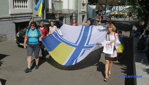 У Дніпрі влаштували флешмоб на підтримку звільнених політв'язнів