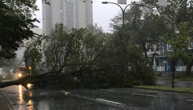 Ураган Доріан дістався Канади — сотні тисяч людей залишилися без світла