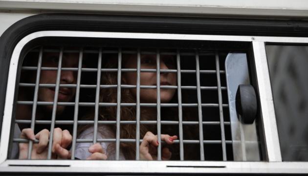 У день виборів у Москві затримали 15 осіб, серед них - Азар і учасниця Pussy Riot