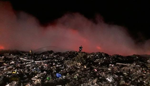 Під Києвом знову горіло сміттєзвалище