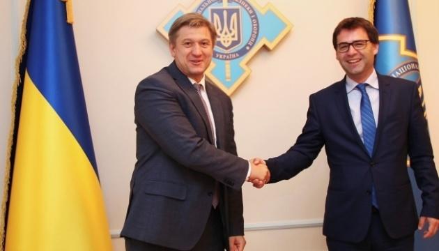 Danyliuk y Popescu discuten el gas, la frontera y la seguridad energética