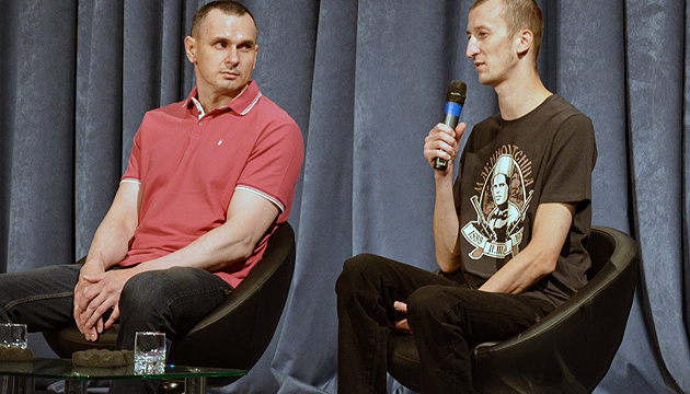 Сенцов і Кольченко - про обмін Цемаха: Вперше почули це прізвище у літаку