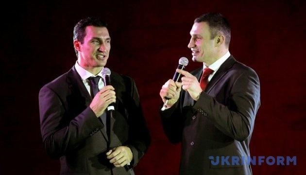 Klitschko-Brüder sprechen mit deutschen Politikern in Berlin