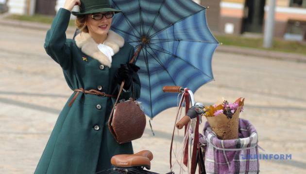 Велопарад у стилі ретро вирушить до Івано-Франківська