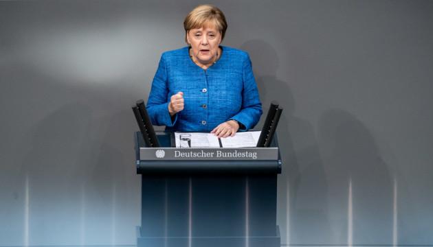 Меркель поки не бачить причин для зняття російських санкцій
