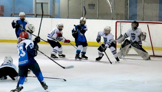 На Відкритому юнацькому чемпіонаті в Дніпрі зіграють 6 хокейних команд