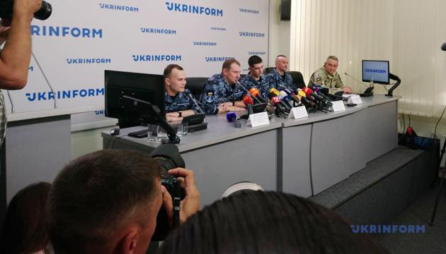 Звільнені з російського полону моряки провели пресконференцію в Укрінформі