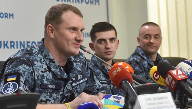 Моряк Гриценко розповів, чому захоплені ФСБ українські кораблі стріляли у Керчі
