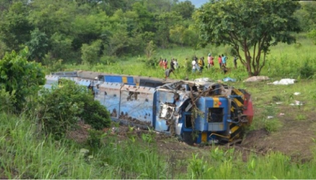 У Конго потяг зійшов із рейок, щонайменше 50 загиблих