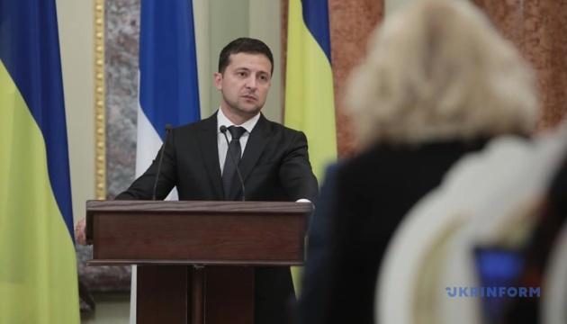 У Мінську тривають перемовини щодо звільнення полонених — Зеленський