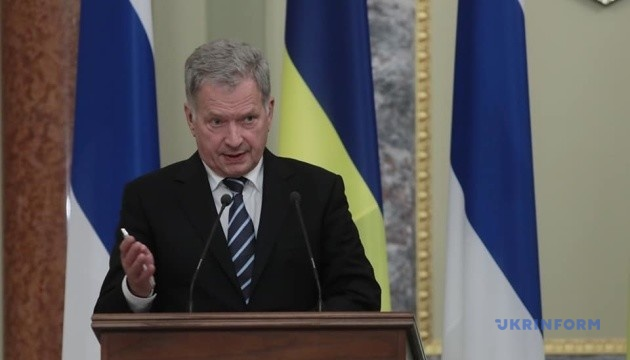 President of Finland discusses situation in Ukraine with Macron and Putin