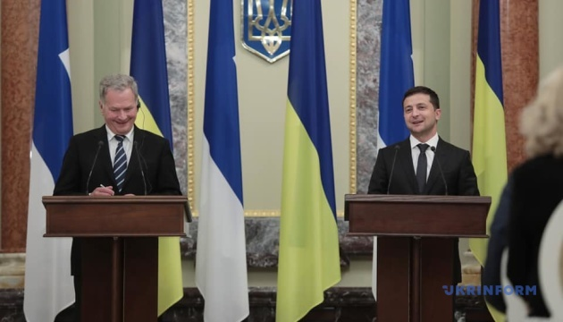 Україна нарощуватиме військову співпрацю з Фінляндією – Зеленський