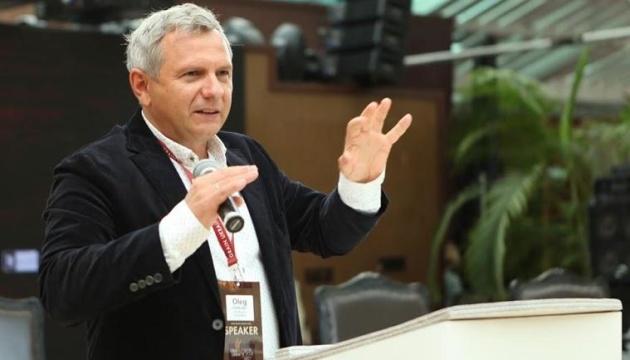 Радник Президента - про відставку Смолія: Незамінних немає