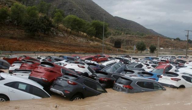 В Іспанії від сильних злив загинуло вже три людини