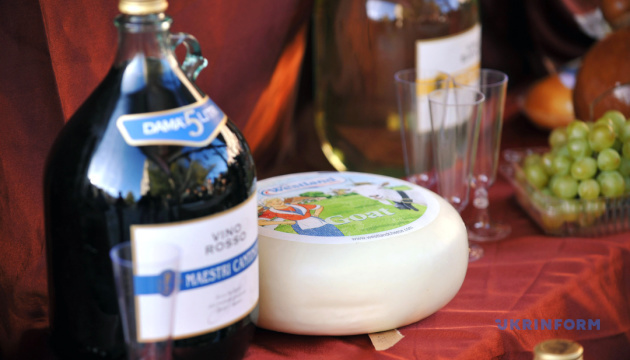 Фестиваль сиру та вина в Чернівцях спробує встановити рекорд