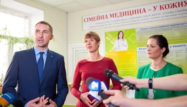 Президент Естонії відвідала сімейну амбулаторію у Києві