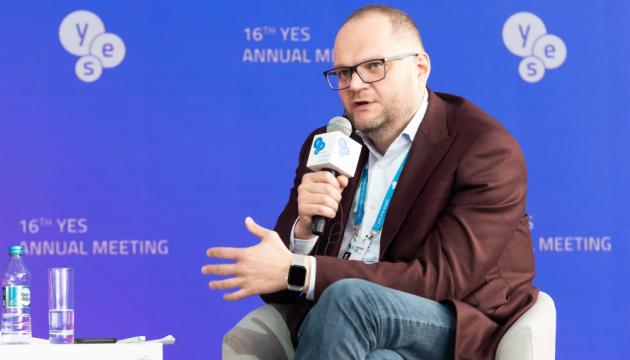Понад 70% українців не виїжджають зі своєї області - Бородянський