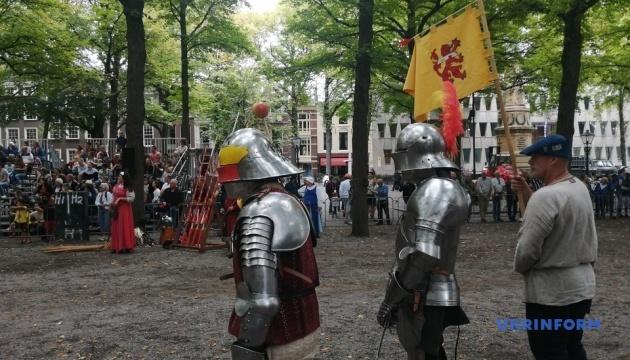 У Гаазі відбувся історичний фестиваль з лицарським турніром