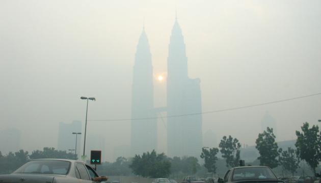 Небезпечне повітря в Куала-Лумпурі: українцям рекомендують менше перебувати на вулиці
