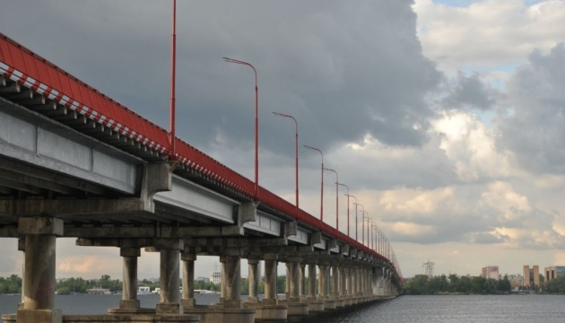 Заступника Філатова оголосили у розшук через розкрадання на ремонті мосту