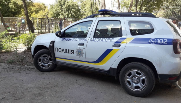 Поліція розшукує підозрюваного у вбивстві бойовика