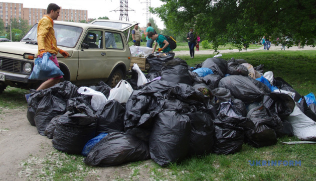 Во Всемирный день уборки в Житомире очистят Шодуаровский парк и Замковую гору