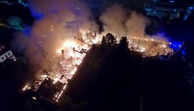 Un incendie ravage l'hôpital militaire de Loutsk (vidéo)
