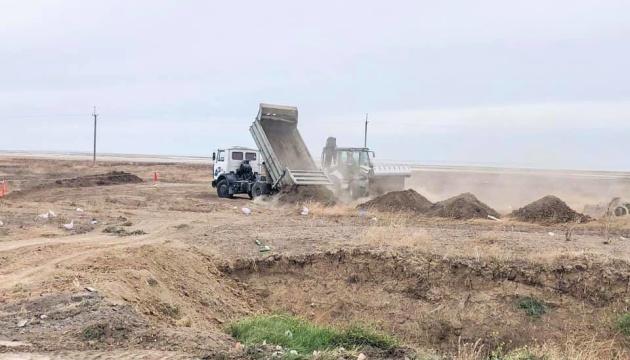 На адмінмежі з Кримом почали будувати нові КПВВ