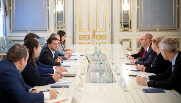 Зеленский встретился с представителями МВФ — о чем говорили