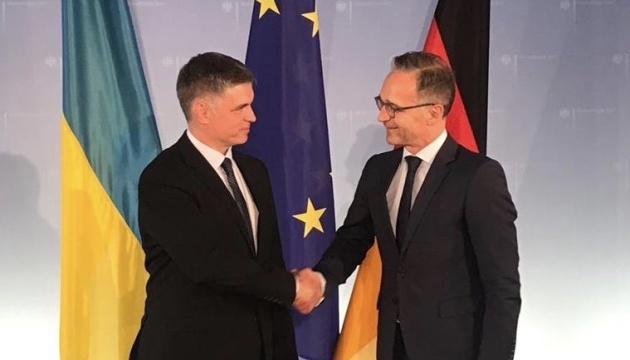 Prystaiko y Maas discuten la reunión de los líderes del Cuarteto de Normandía