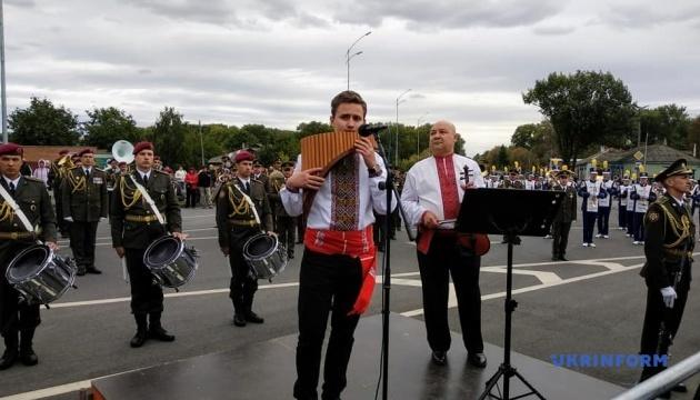 Парад оркестрів, Макаревич і феєрверк: Чернігів відзначив День міста