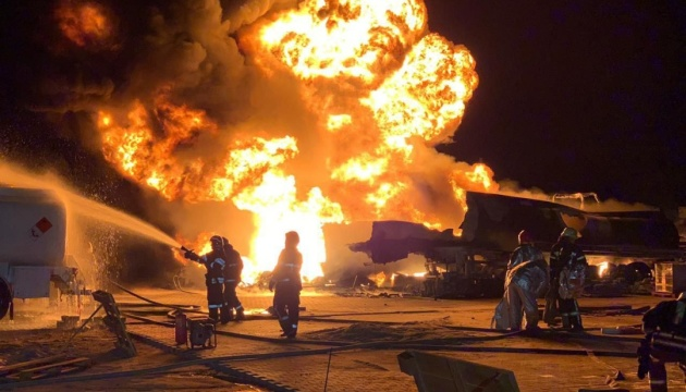 У столиці Перу вибухнув бензовоз: є загиблий, десятки поранених
