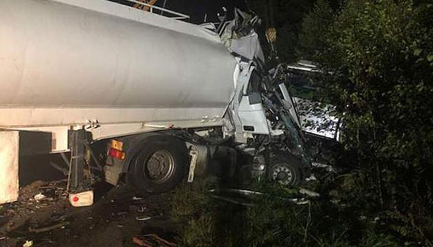 На Житомирщині вантажівка зіткнулася з автобусом: дев'ять загиблих