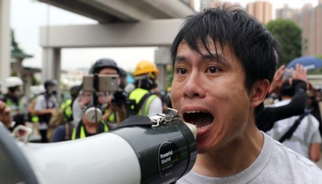 У Гонконзі побили опозиційного політика