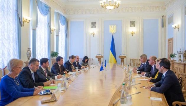 Разумков зустрівся з керівником місії МВФ — говорили про реформи