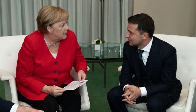 Зеленский обсудил с Меркель подготовку к