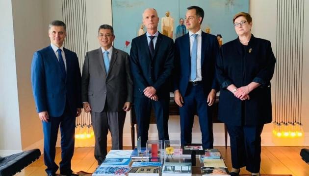 Глави МЗС держав-членів слідчої групи обговорили в ООН справу МН17