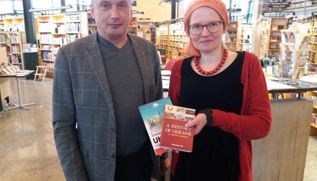 Бібліотеки Фінляндії поповнюються книгами про Україну завдяки новій кампанії