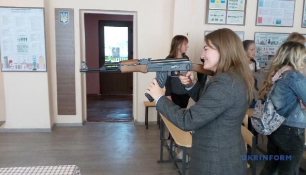 В школе Галицыновской ОТГ заработал электронный тир
