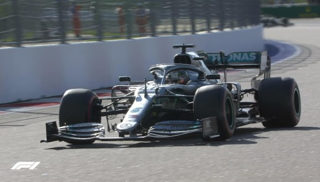 Формула-1: Хэмилтон выиграл Гран-при России