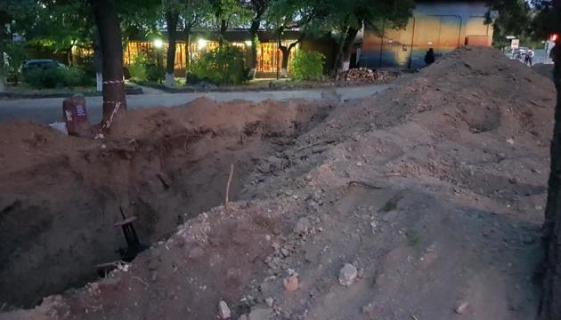 У центрі Сімферополя покинули людські кістки на розкопаному мусульманському кладовищі