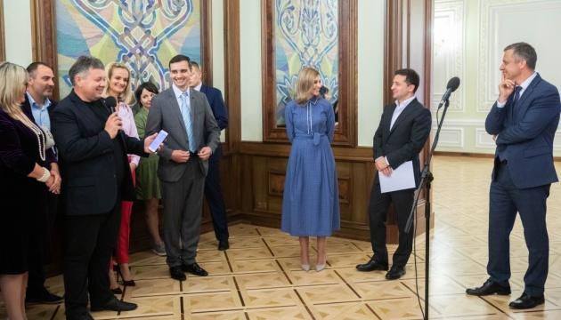 Президент підписав указ щодо підтримки сімей, які виховують сиріт
