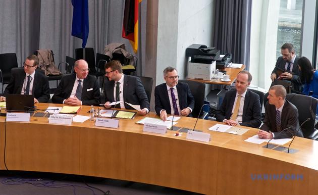 Учасники розгляду Комітетом із петицій Бундестагу петиції про визнання Голодомору 1932-1933 років актом геноциду