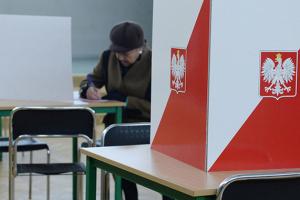 У Польщі явка на парламентських виборах cклала майже 46%