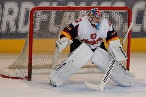 Легендарний Петр Чех вдало дебютував в хокеї