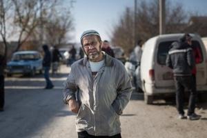 На адмінкордоні з Кримом окупанти знову затримали правозахисника Джеппарова